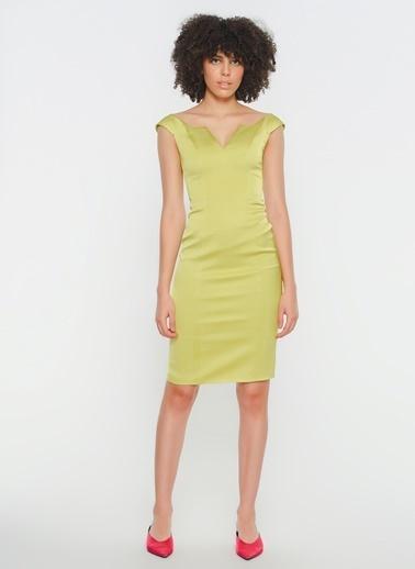 Zeynep Ökmen V Dekolte Çift Yırtmaç Detaylı Midi Kokteyl Elbisesi Yeşil